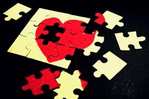 broken-broken-heart-heart-love-Favim.com-128536